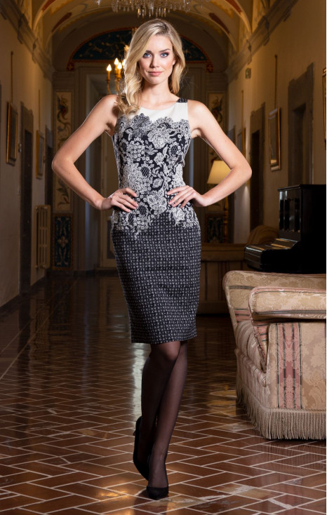 Elegant straight-fit dress