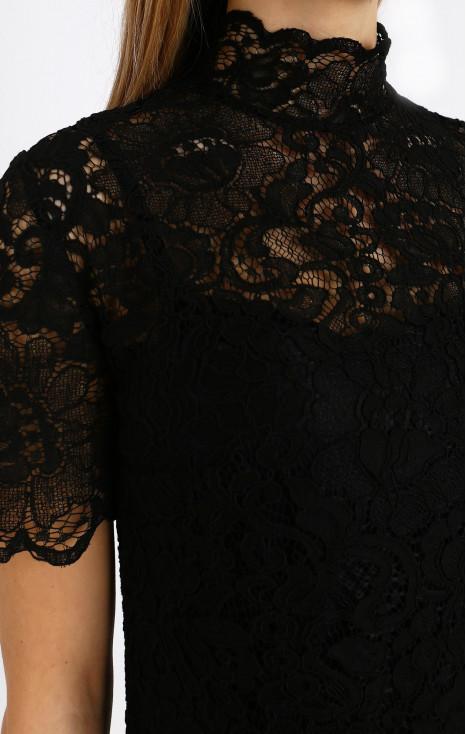 Formal lace dress in black
