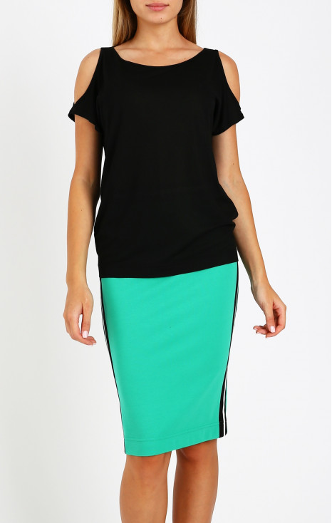 Loose blouse with cut-out sleeves