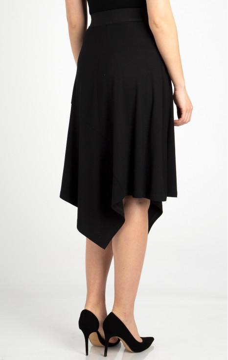 Elegant knee-length skirt