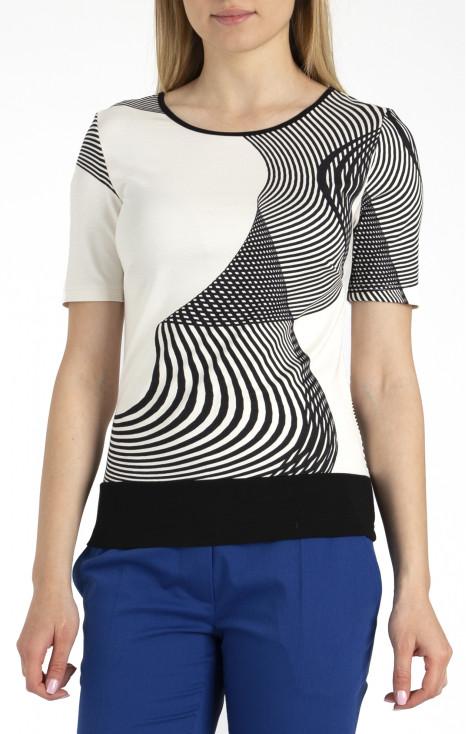 Beautiful short sleeve blouse