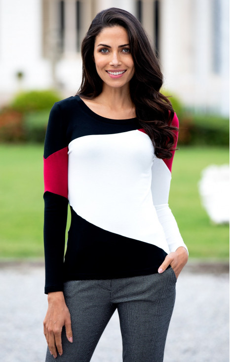 Attractive blouse.